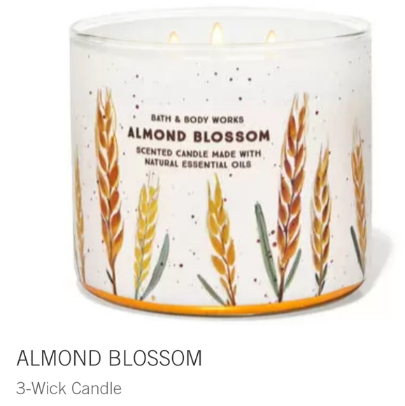 """🕯NWT‼️ BBW """"Almond Blossom"""" 3-wick Candle"""